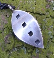 Smykker i sølv og andre materialer